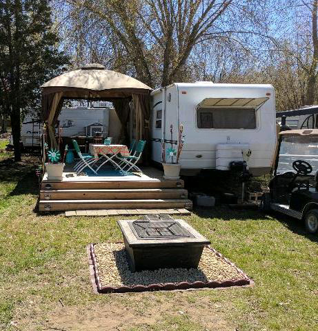 "2004 31' Forest River ""Flagstaff"" Travel Trailer"