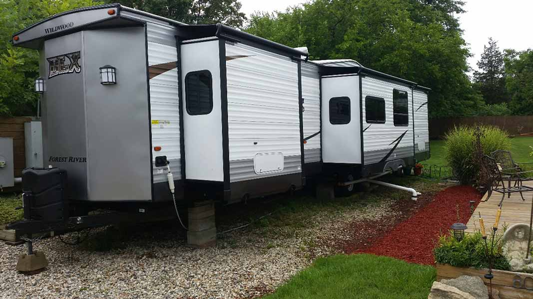 "2018 40' Wildwood ""Forest River"" Travel Trailer (#81)"